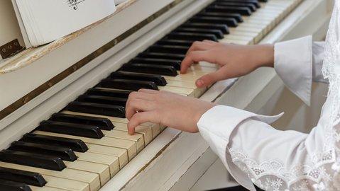 有哪些學鋼琴軟件_鋼琴入門軟件哪個好